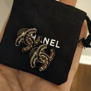 Authentic CHANEL earrings !!